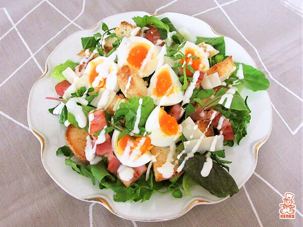 サラダ 卵